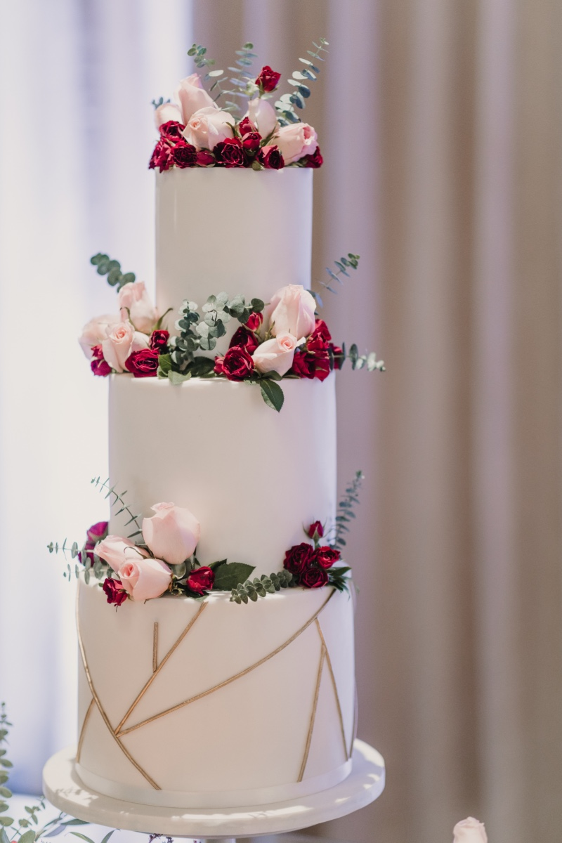 The beautiful designs by CocoaBerry Cake Co. for our styled shoot at the Noor in Pasadena, CA.