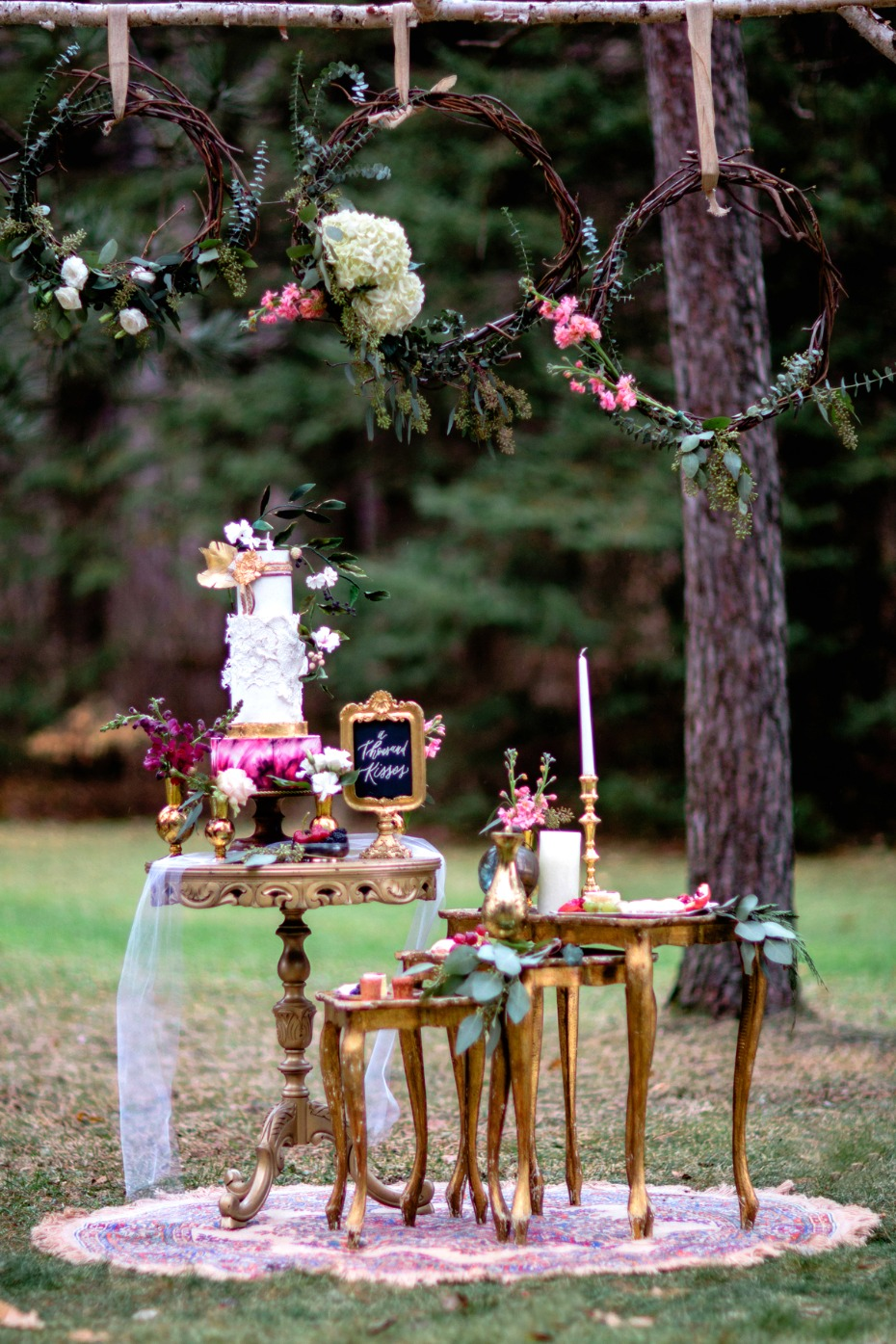 royal style bohemian wedding cake table