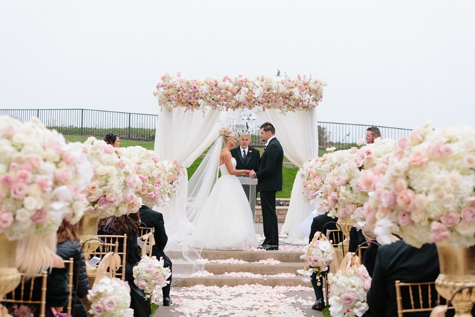 Glamorous blush and white ceremony in SF