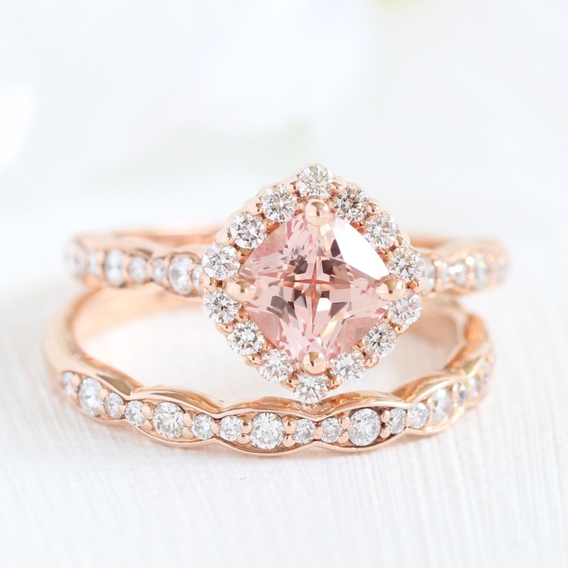Love this peachy gemstone? Shop more peach sapphire bridal sets, along with blue sapphire bridal sets, here from La More Design ~