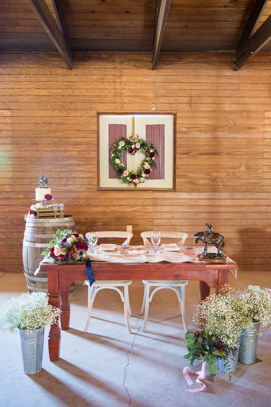 sweet and simple sweetheart table
