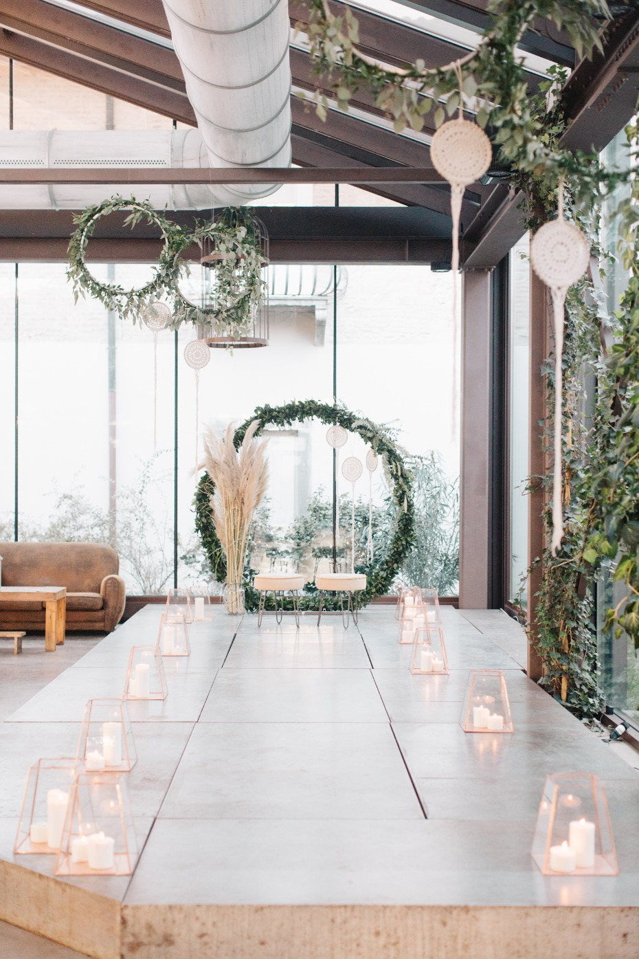 Modern boho ceremony decor