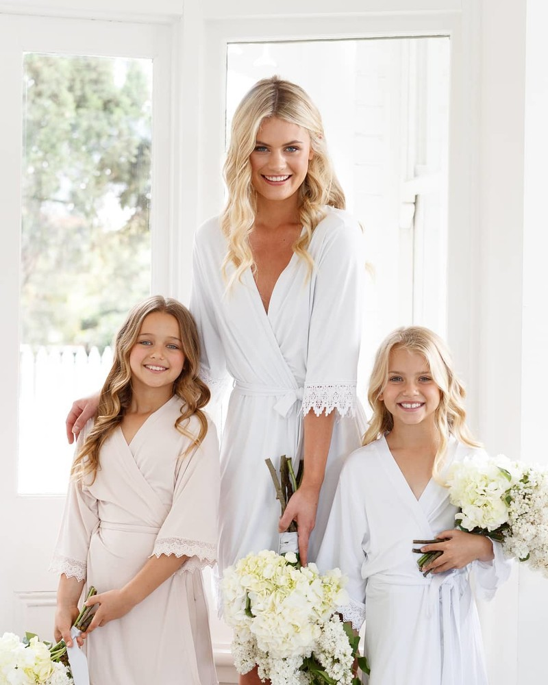 Match your flower girl to the Bridesmaids with a cute robe of her own! 💗 LR xx