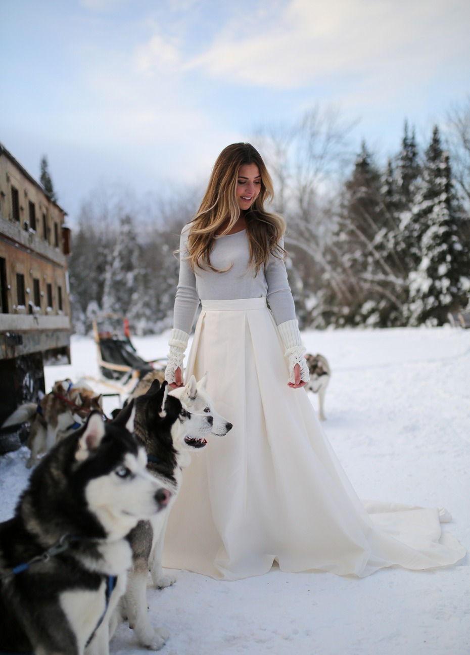 winter wedding ideas plus a dog sled team