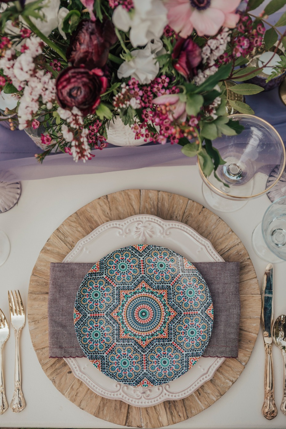 Color and texture place setting