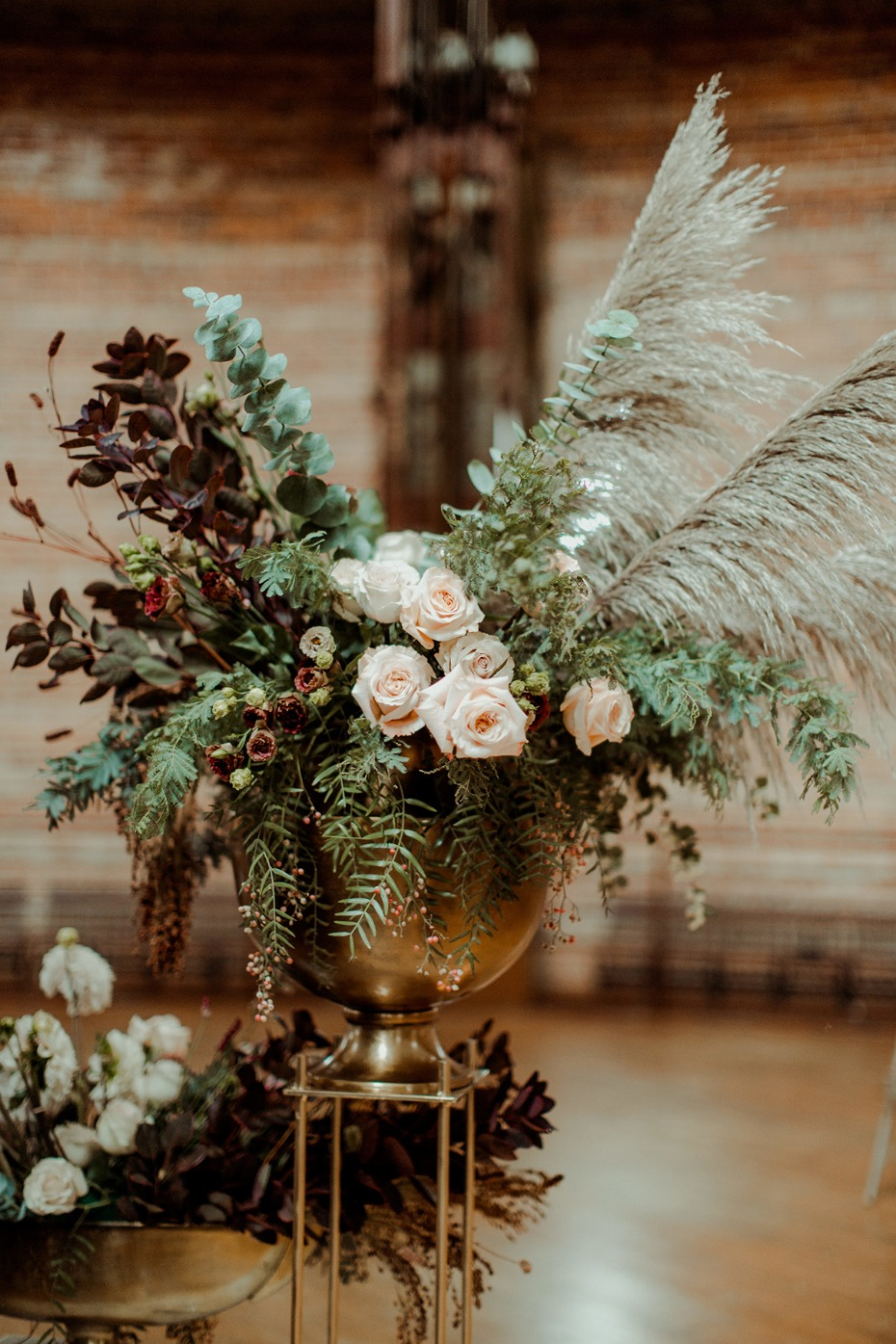 unique and antique styled wedding floral decor