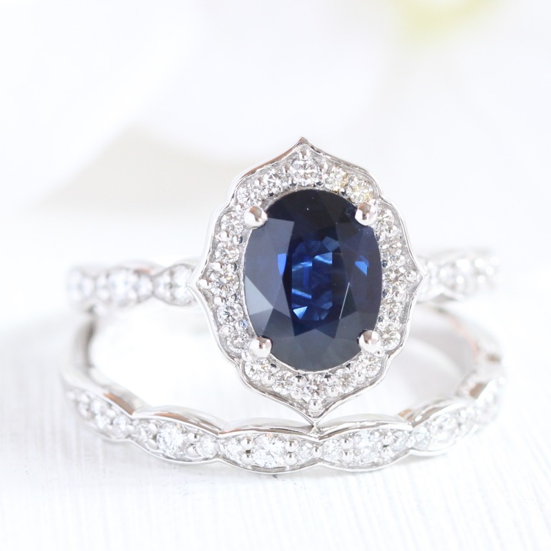 Blue sapphire bridal sets by La More Design are sure bring a smile to your honey's face ~