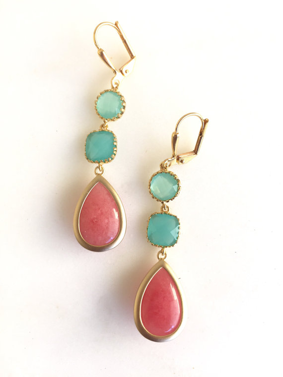 Coral Pink Turquoise and Aqua Dangle Earrings in Gold. Drop Earrings. Long Earrings. Bridal Party Jewelry. Bridesmaids Gift. Wedding