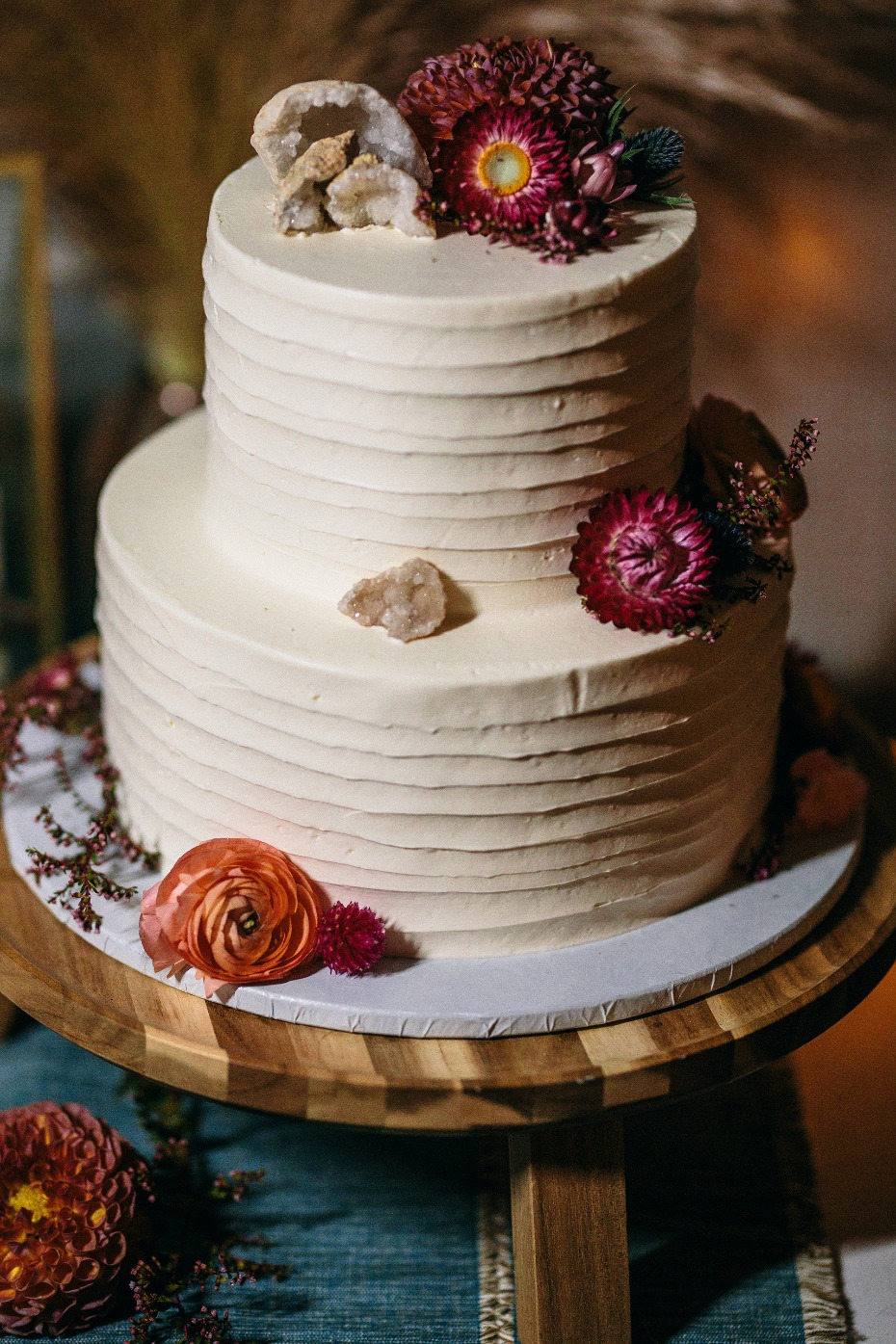 Geode and flower wedding cake