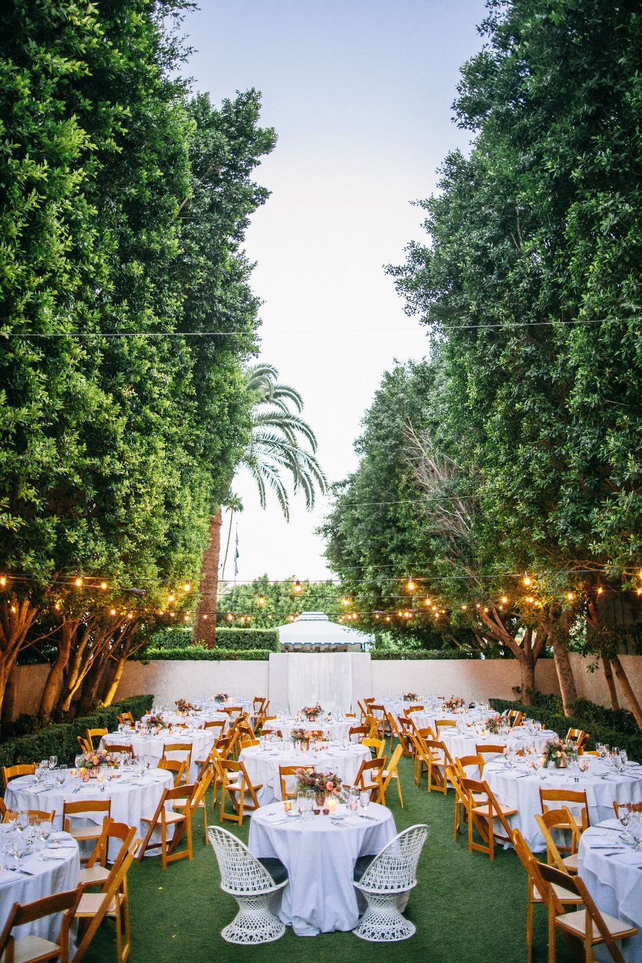 Beautiful outdoor reception at the Avalon in Palm Springs