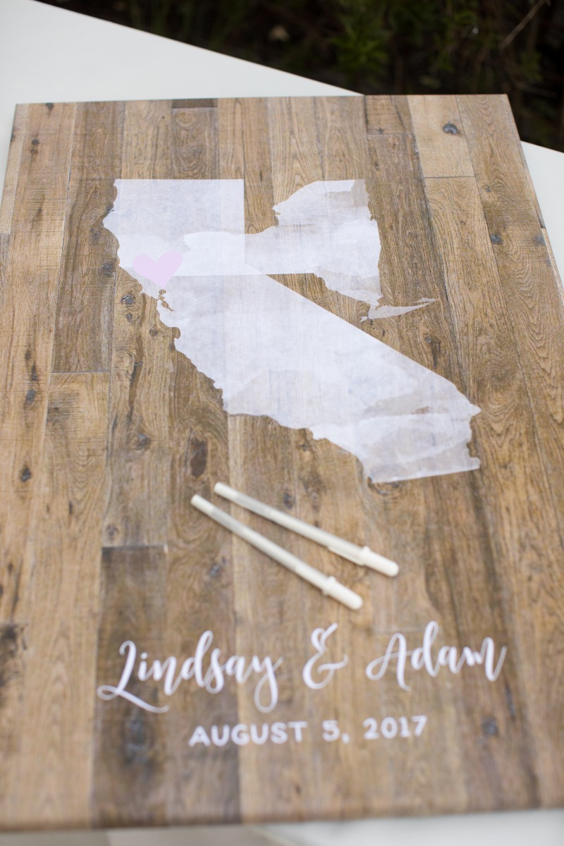 Love our watercolor states guest book alternatives but want something a little more rustic? Miss Design Berry has the best combination