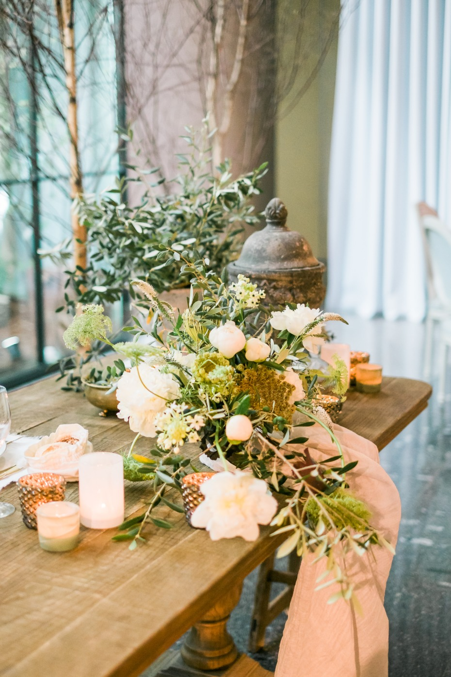 Earthy table decor