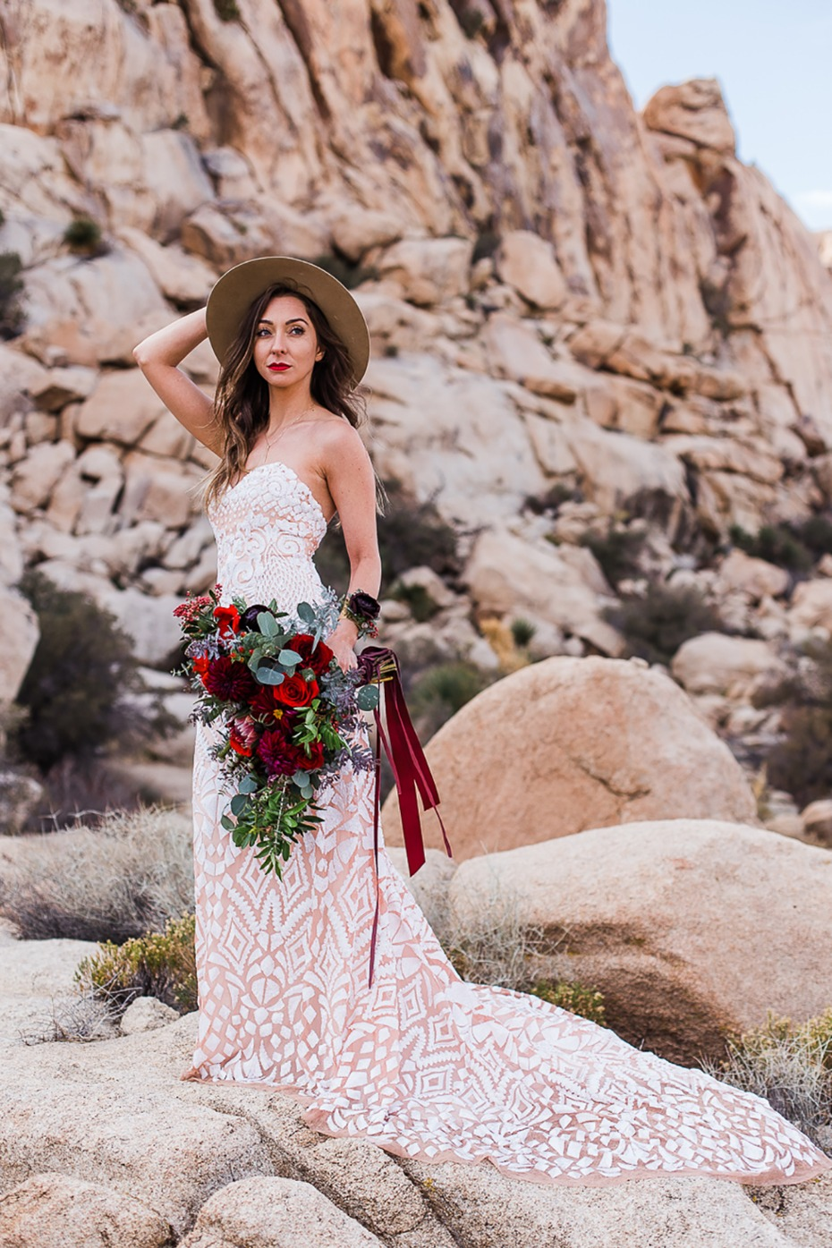 boho bridal style in the desert