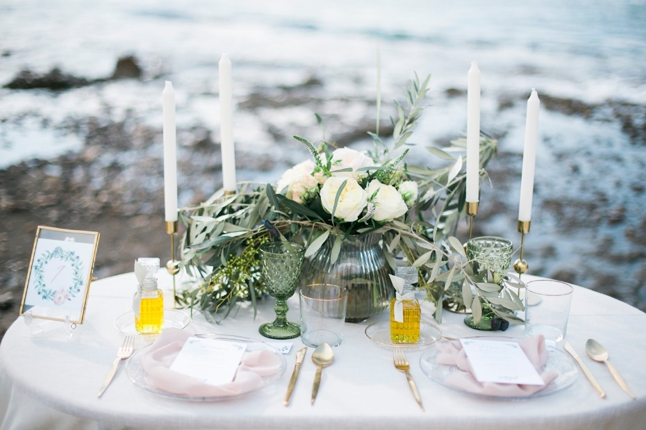 White, green and blush sweetheart table