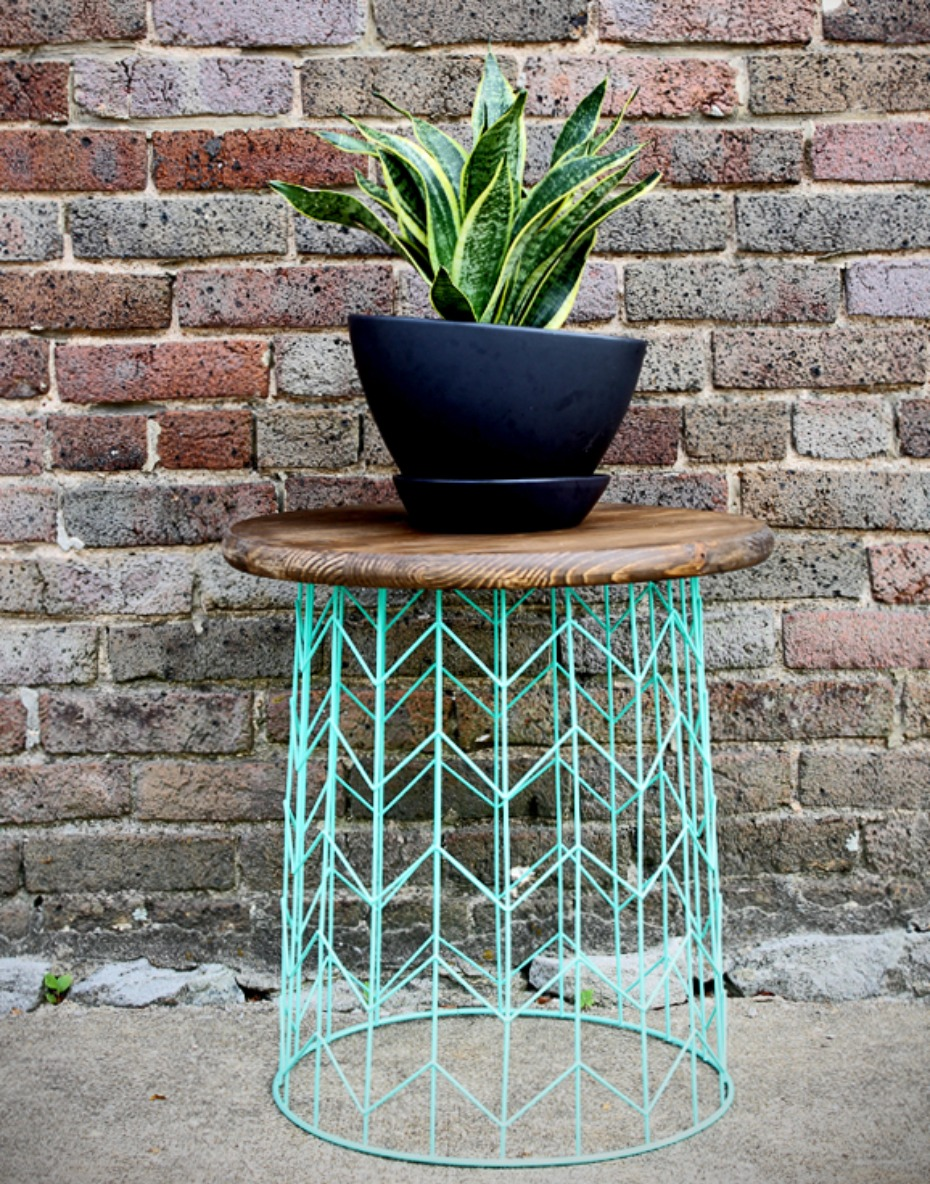 wire-basket-table