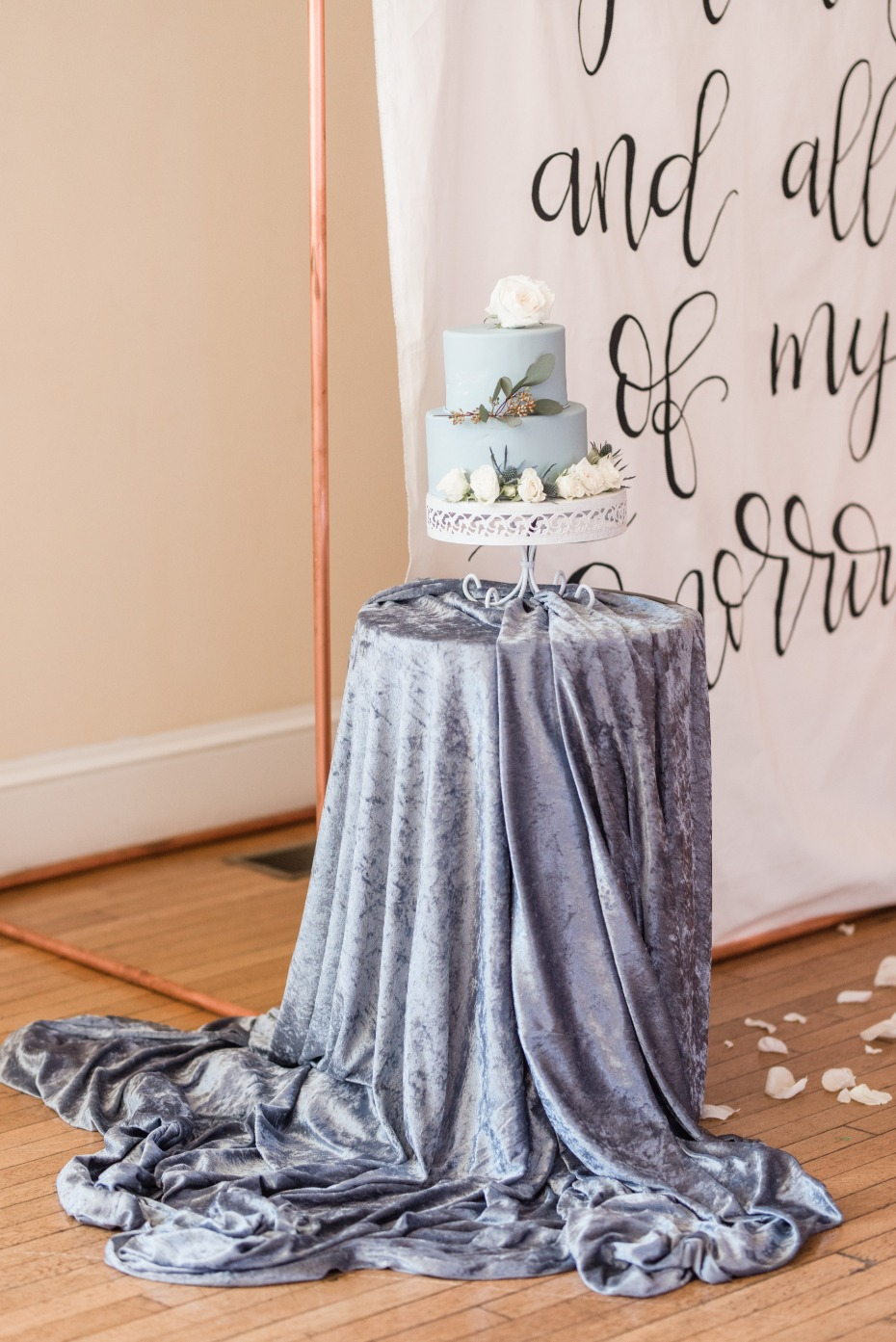Blue cake table