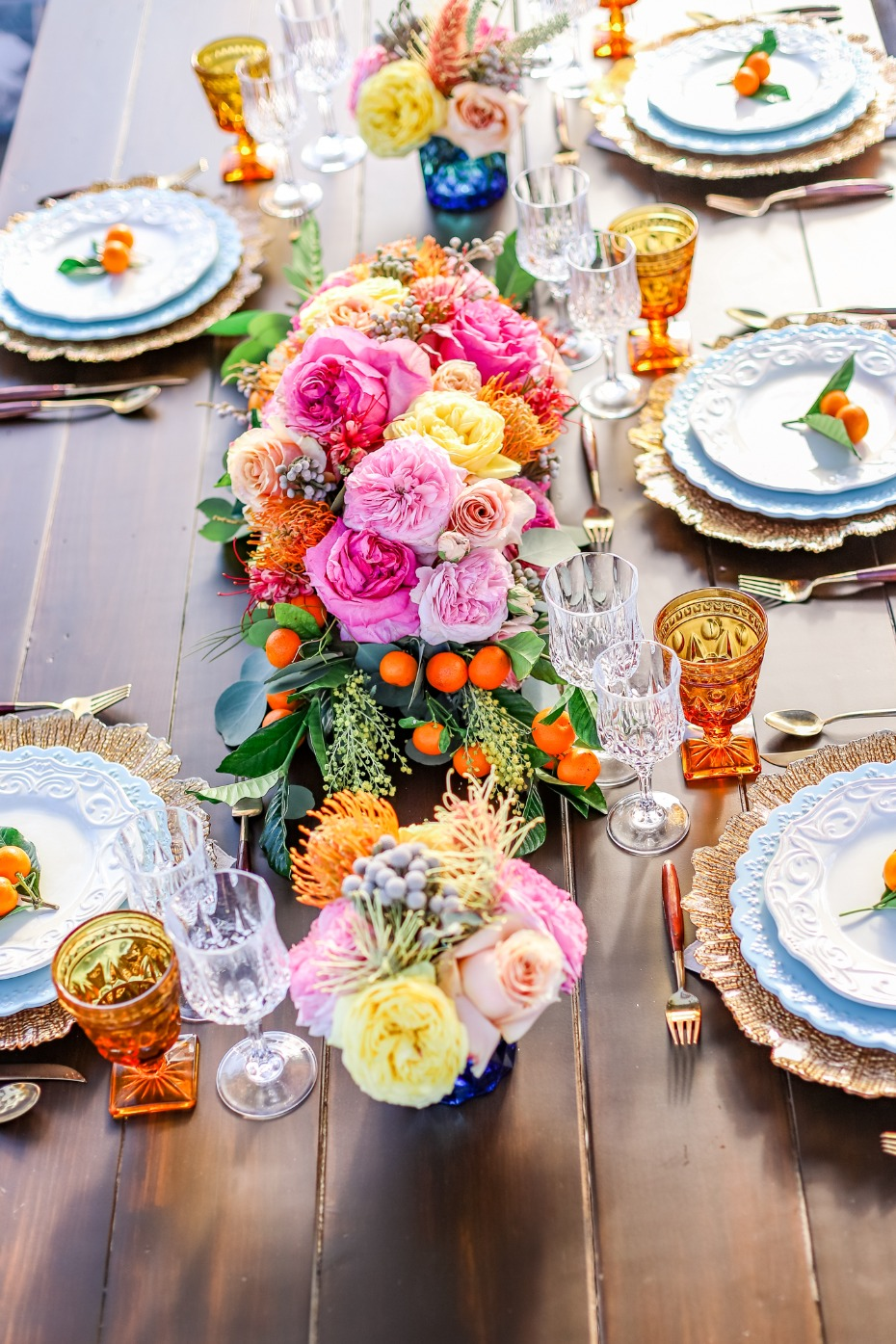 Fresh and bright table decor with local fruits