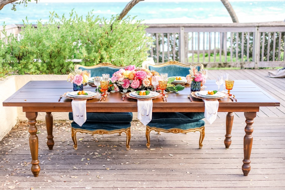 Vintage chic table decor