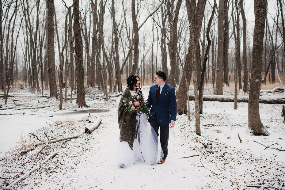 Winter wedding inspiration in the woods