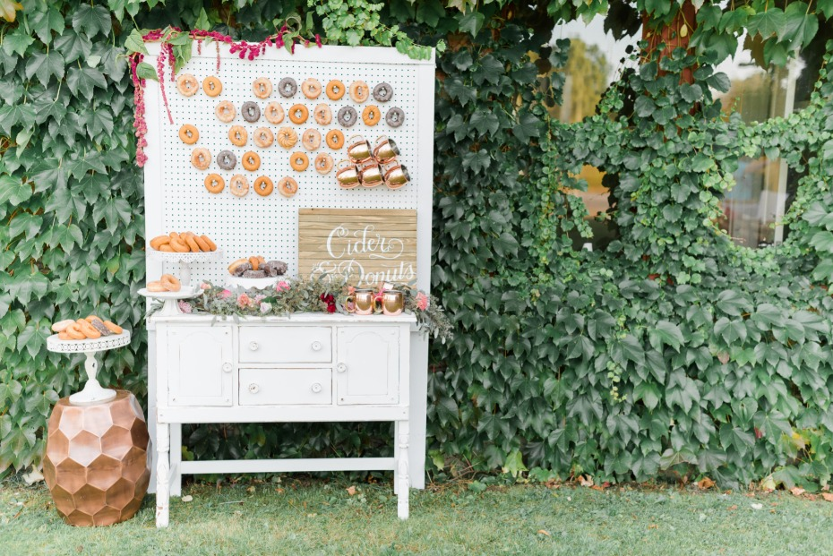 sweet donut and apple cider bar