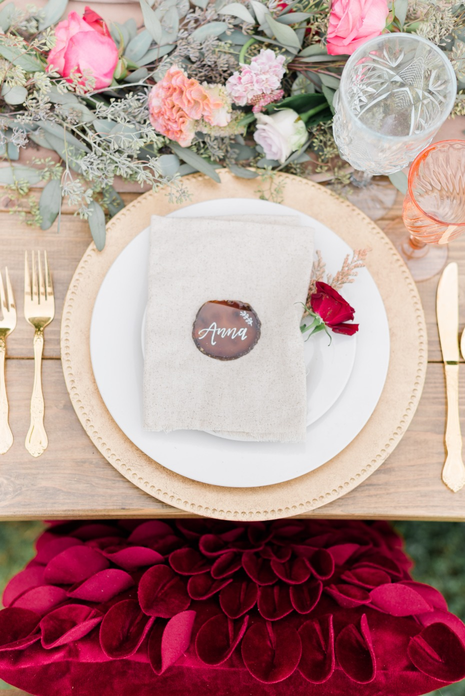gold and burgundy fall place setting