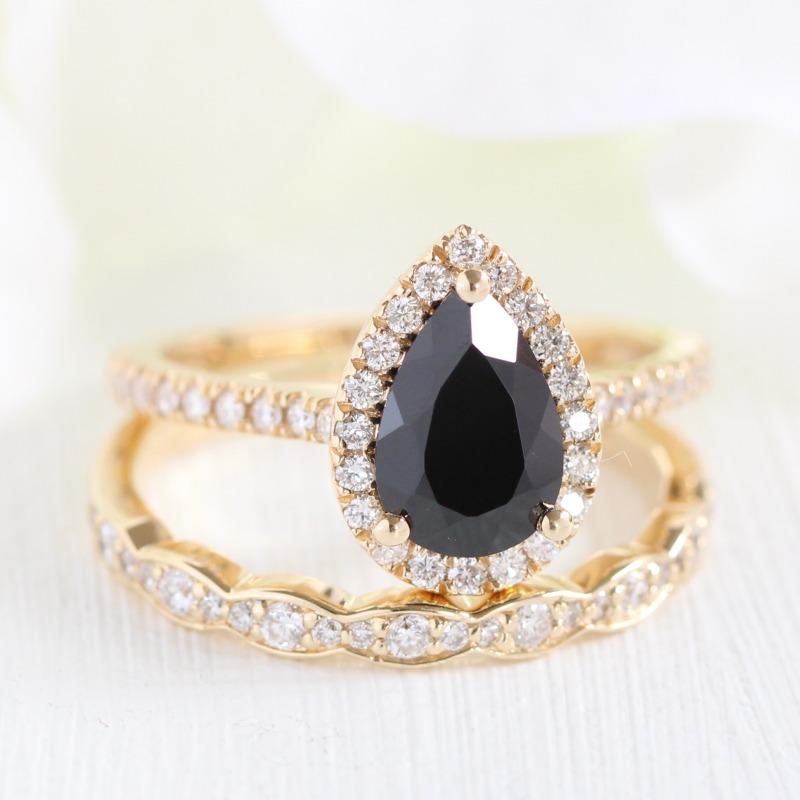 Shop Pear shaped bridal sets like this halo black spinel ring with scalloped diamond band in yellow gold from La More Design ~