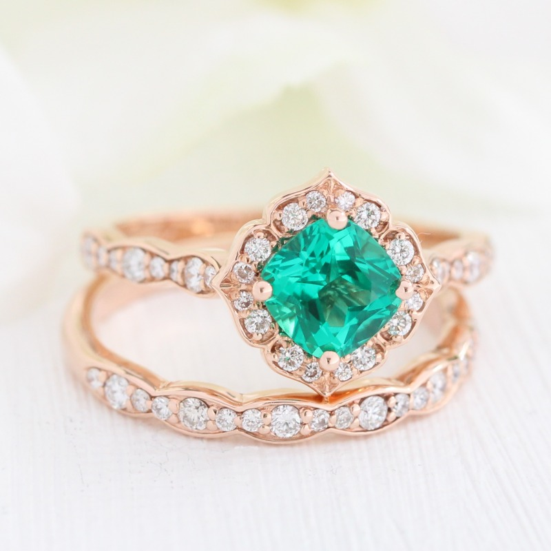 Shop Vintage Floral bridal sets with scalloped diamond bands like this emerald in mini by La More Design ~