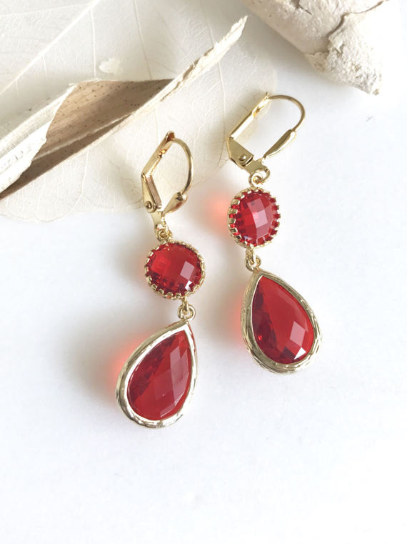 Awesome! Lovely! Elegant! Red together with this gold is just awesome!