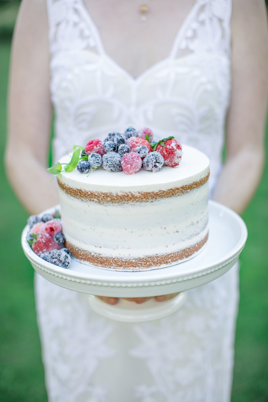 simple and sweet wedding cake idea
