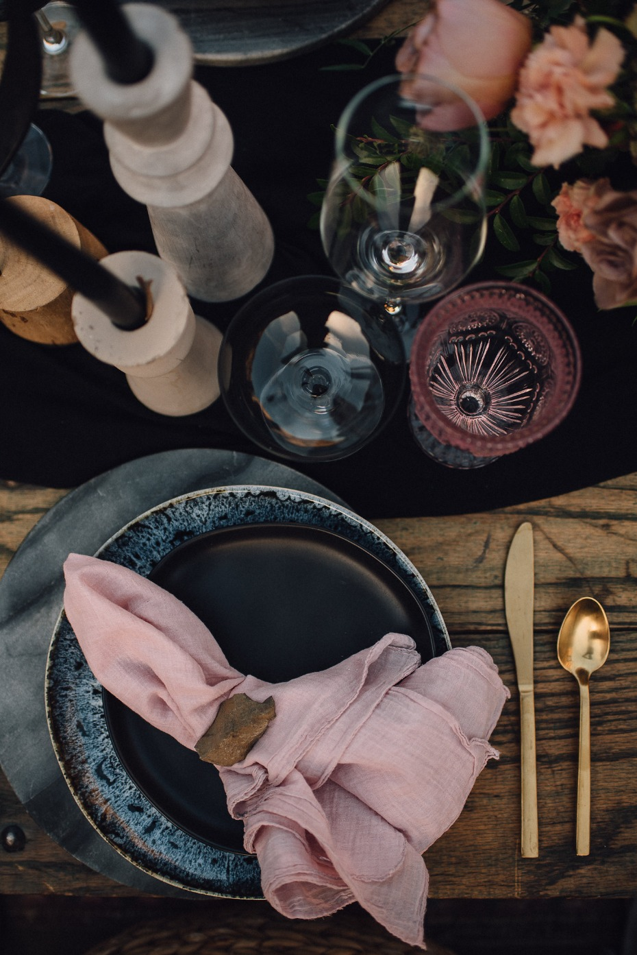 Dusty pink table details
