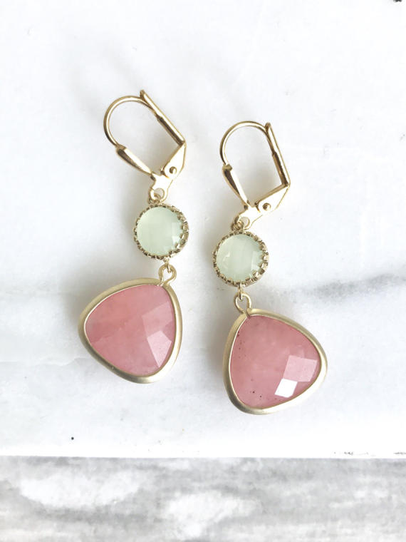 Loving the coral pink and the mint together!