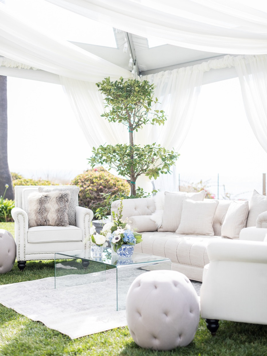 Wedding lounge area idea