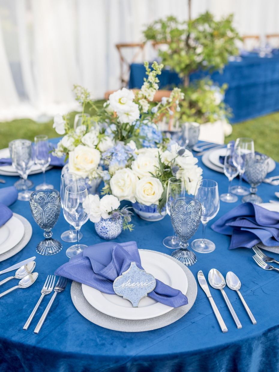 Shades of blue and white table decor