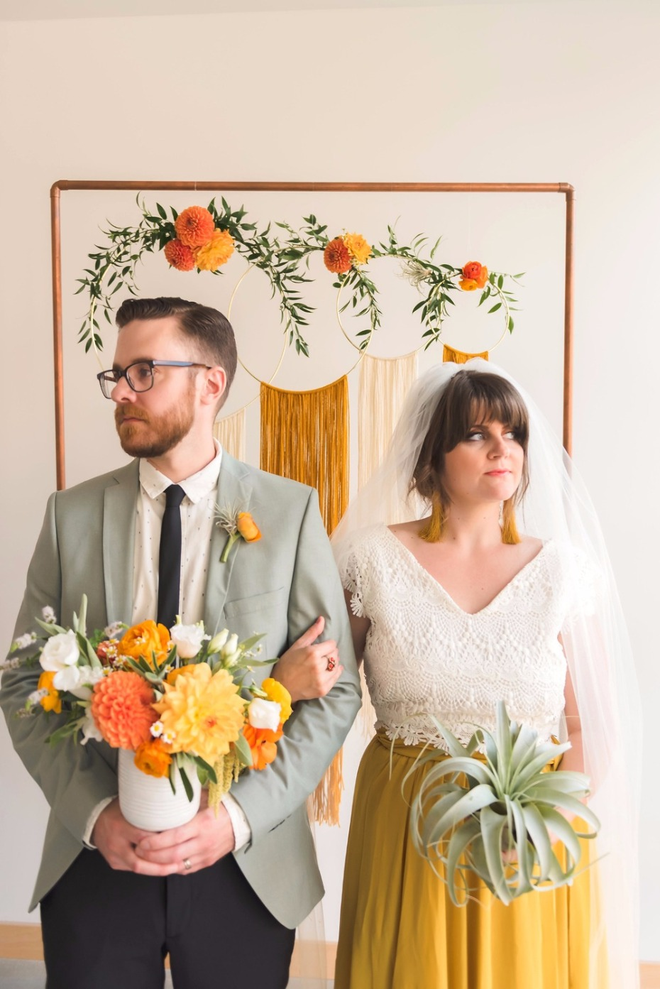 retro chic 70s style wedding ideas
