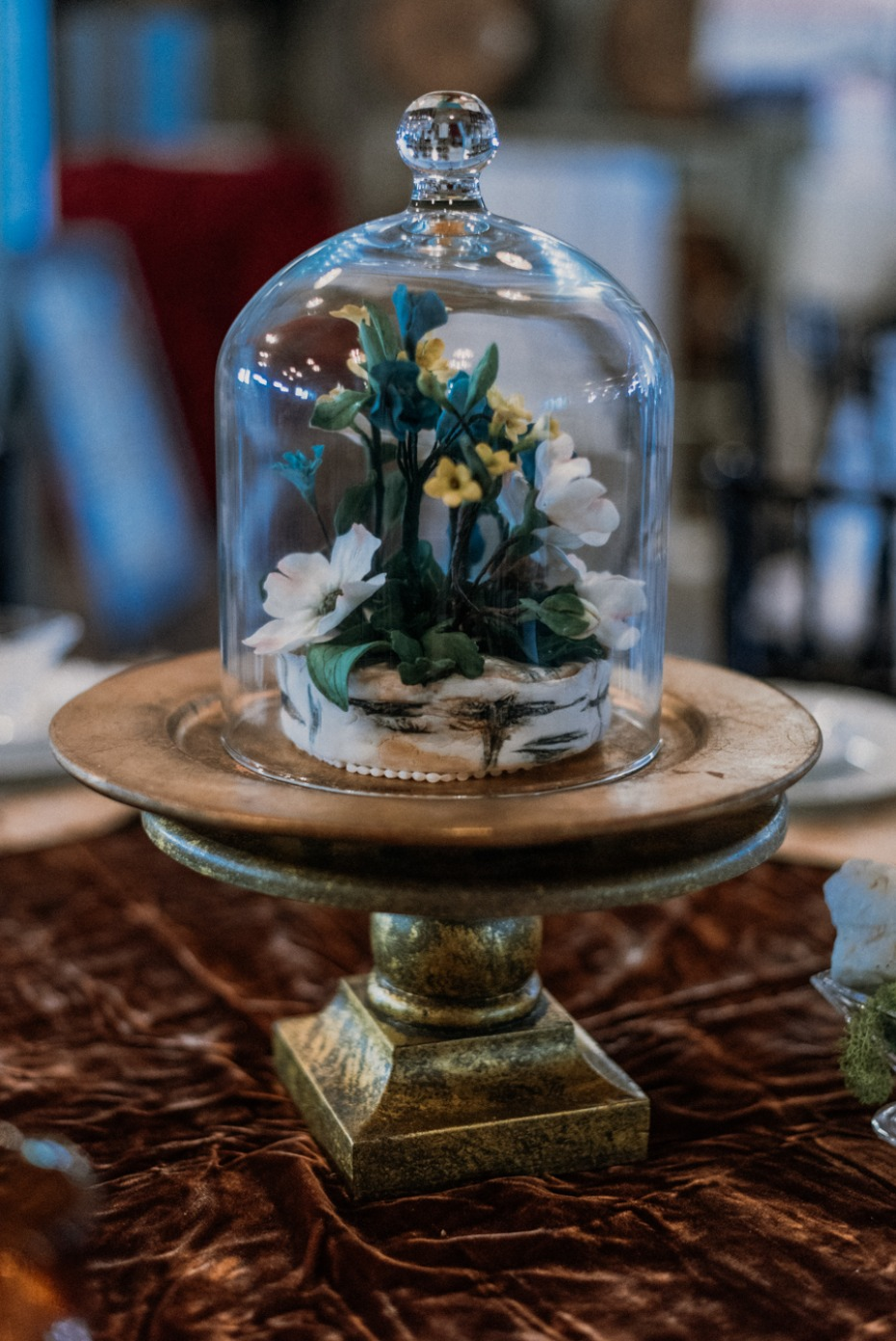 flower terrarium wedding centerpiece