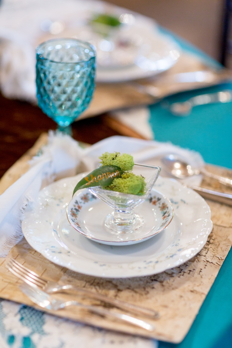 natural chic table decor