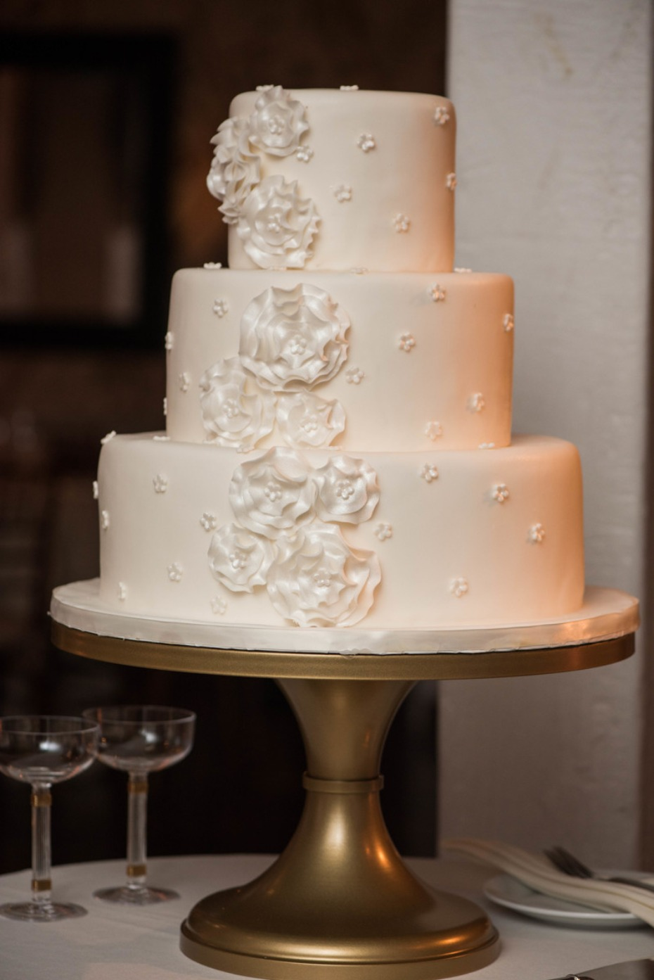 how to make a wedding cake at home burgundy wedding at the new york botanical garden 15881