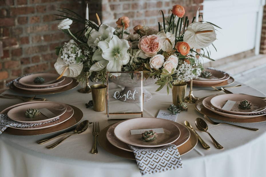 modern gold and blush wedding table