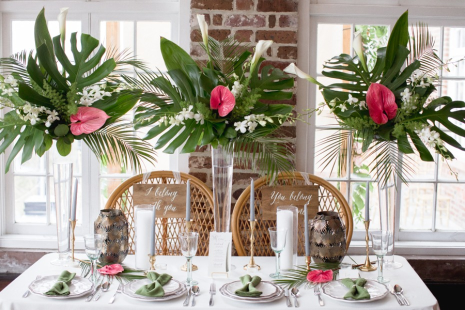 tropical themed wedding sweetheart table
