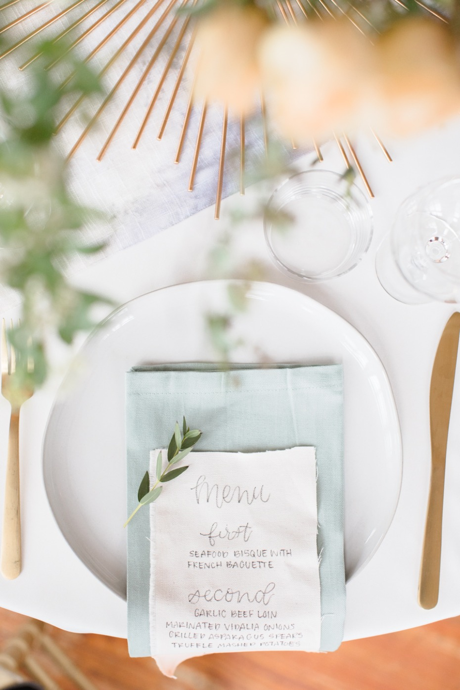 soft blue and gold wedding table decor