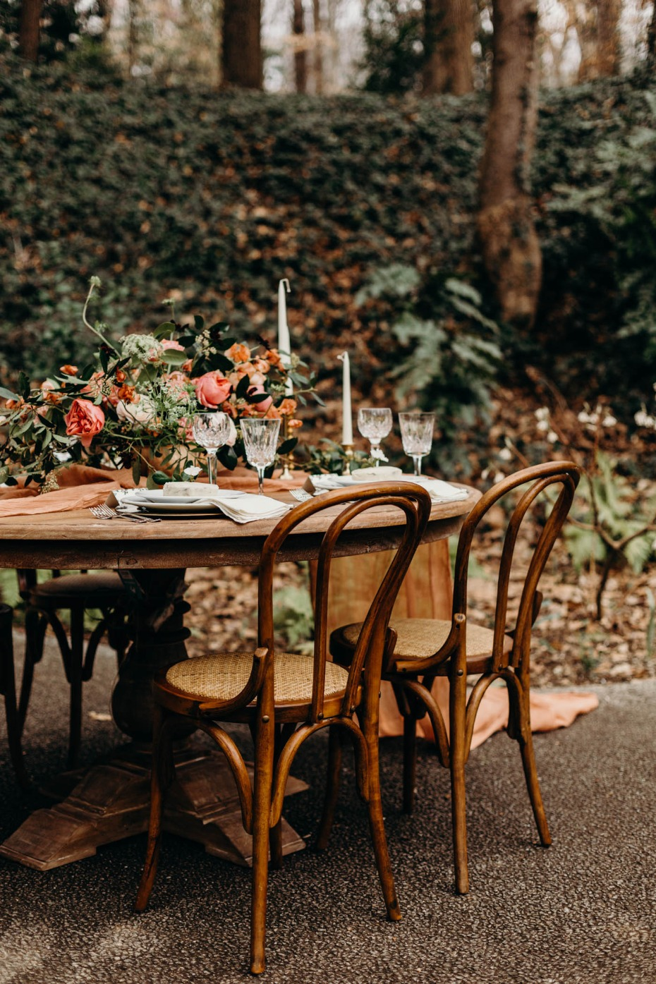 wedding table perfect for Spring
