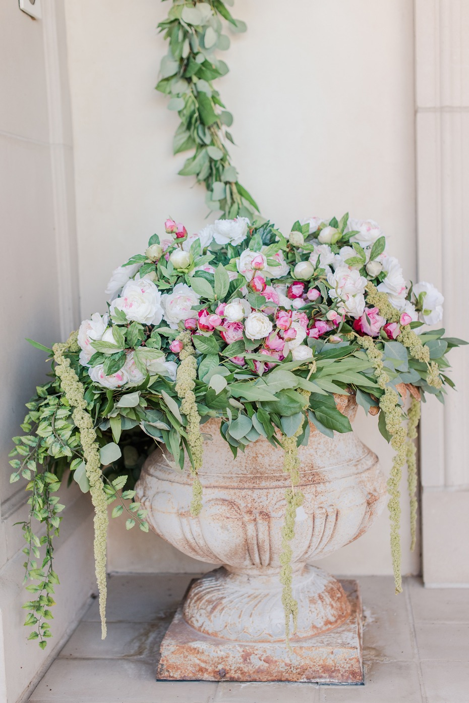 soft and romantic wedding floral decor