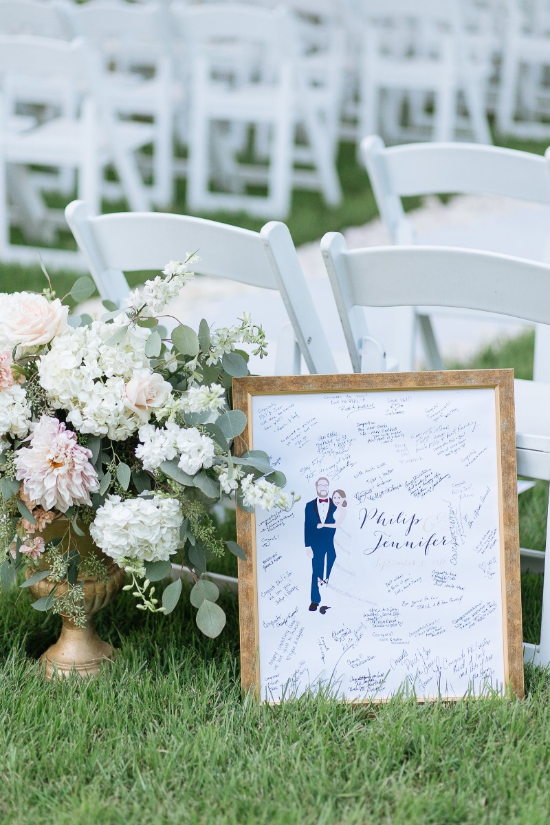 We absolutely LOVE client photos! Miss Design Berry's guest book alternatives make for great photo ops AND are the best keepsakes from