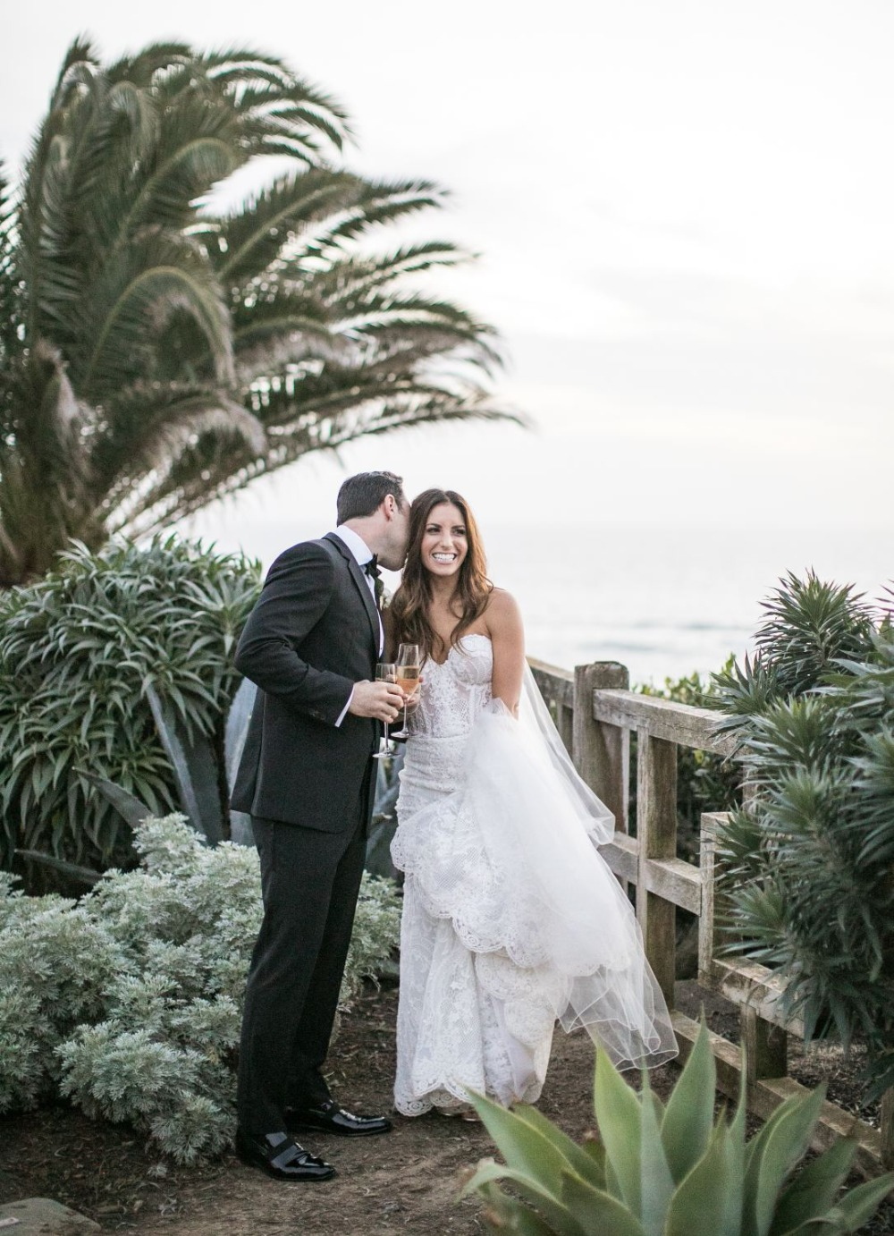 48d907ca70a7 Gallery - How To Turn Your All White Wedding Day Into A Glamorous Dream
