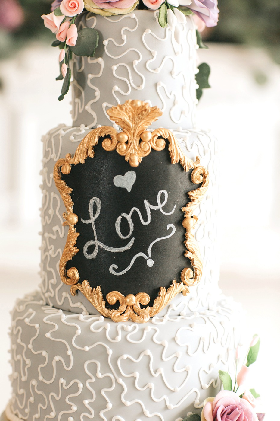 love wedding cake chalkboard