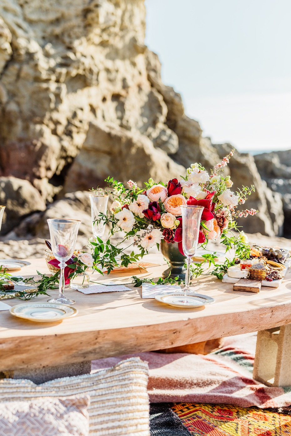 boho beach table set up