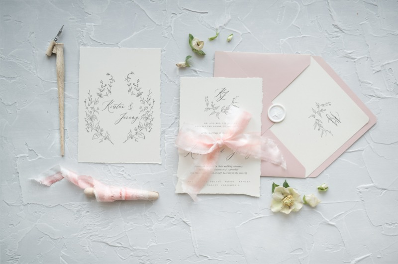 Delicate and romantic - wedding invitations with calligraphy