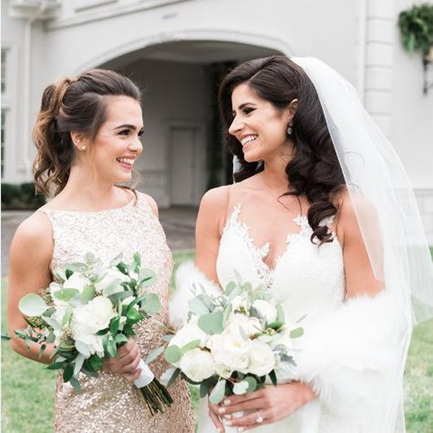 When your smile sparkles more than your dress ✨✨ Image by Jennifer Larsen Photography.