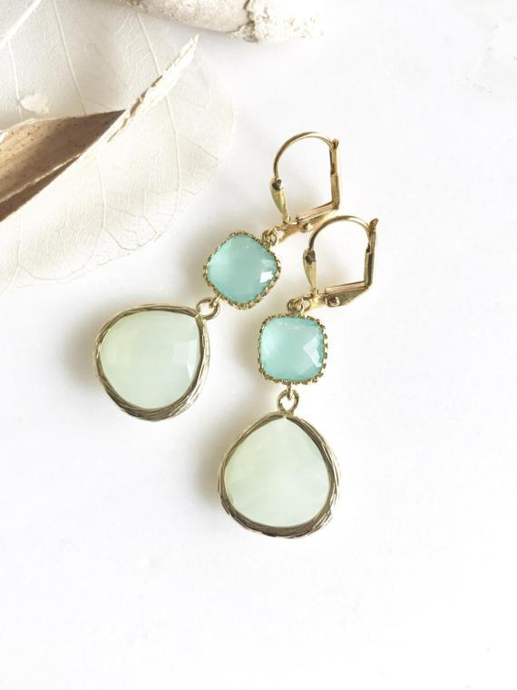 Mint and Aqua Bridesmaids Earrings in Gold. Dangle Earrings. Bridesmaids Jewelry. Spring Wedding Jewelry. Drop Earrings. Wedding Jewelry