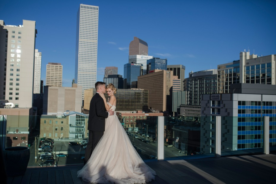 urban wedding on a rooftop of Denver
